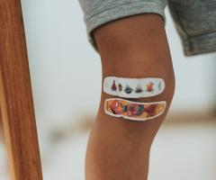 Verletztes Knie nach OP der Patellarsehne